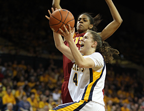 Naama Shafir scored 40 points to help the Rockets beat USC, 76-68, and win the WNIT Championship.