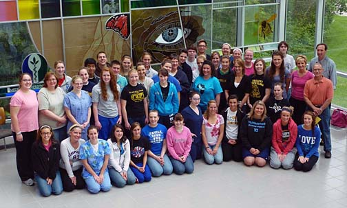 Students and faculty from the UT Advanced Anatomy Institute posed for a photo.