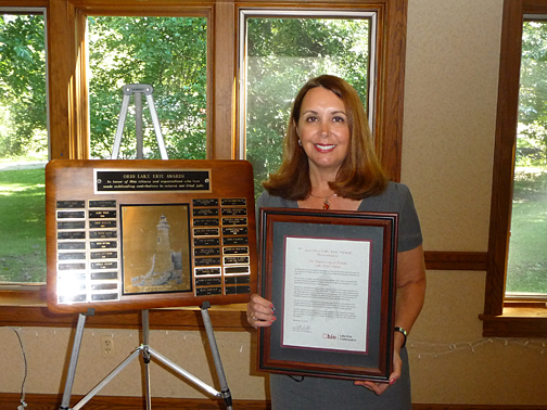 Dr. Carol Stepien accepted the 2011 Ohio Lake Erie Award presented to the UT Lake Erie Center.