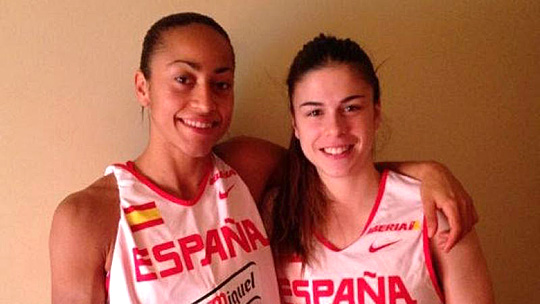 UT players Inma Zanoguera, left, and Elena de Alfredo were members of the Spanish National Team that won the U-20 European Championship.