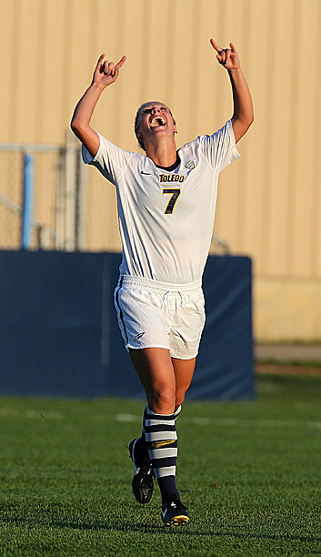 Junior Geri Siudzinski celebrated after scoring the game-winning goal to beat the Ohio State Buckeyes, 1-0, in double overtime at Scott Park.