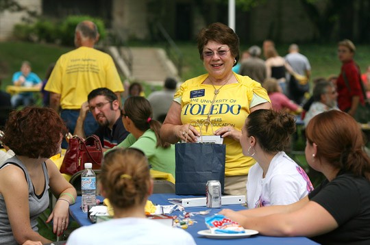 Judith Herb talked with students at the Judith Herb College of Education's 2006 fall welcome picnic.